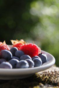 Vaisiai ir daržovės - sveiki užkandžiai vaikams